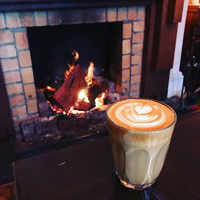 Mornings never looked so good! Happy Wednesday dudes ️..#coffeetime #coffee #homeiswherethecoffeeis #latteart #lamarzocco #openfire #roxburgh #coffeeofinstagram #coffeehouse #baristalife #wintervibes