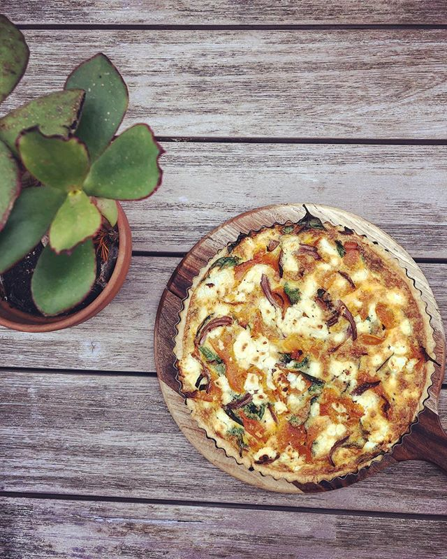 How yummy does this pumpkin, Meredith goats cheese and spinach quiche look! ...#quiche #yummo #bakingthegoods #lunching #foodie #bakedgoods #goatscheese #cheeseislife #meetyouattherox #thompsonstreet #hamilton #cafevibes #courtyardvibes