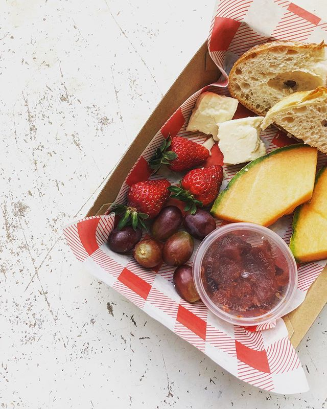 How good does this ploughmans lunch look!! And only for $10 you can't go wrong...#ploughmanslunch #localproduce #alltheyummythings #cheese #freshfruit #spring #lunchbox #lunchspecial #instafood #tuesdaymotivation #thompsonstreet #hamilton #theroxburgh