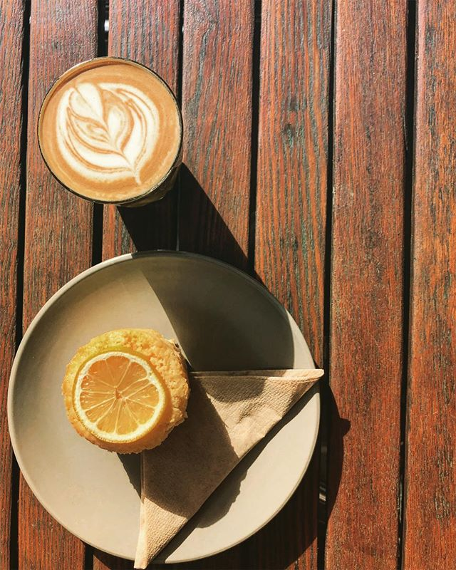 Almond lattes and lemon syrup cakes make Friday's a thing to celebrate  ...@milklabco #almondlatte #yum #alternative #coffeeandcake #getinmybelly #sunshine #courtyard #thompsonstreet #latteart #baristalife #fridaymood #tgif