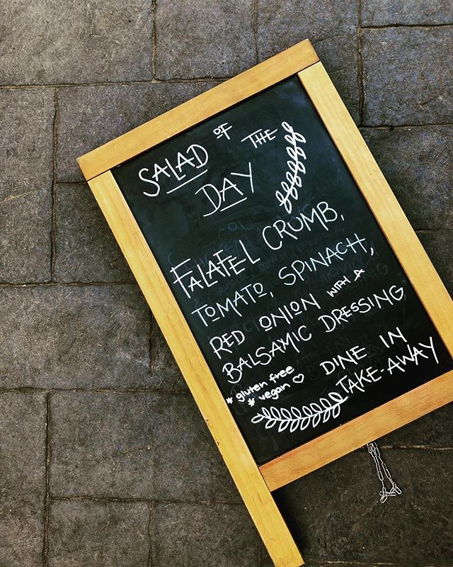 Today's amazing salad special! Who doesn't love house made falafel!! Get in quick kids! ....#falafel #salad #yummo #courtyard #lunch #vegan #cafevibes #cafe #lunchdates #lunchtime #todaysspecial