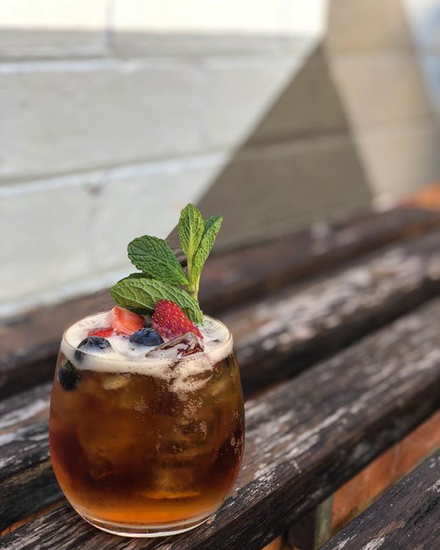 What's better than a weekend with fabulous weather... drinking Pimms on a weekend with fabulous weather obviously ...#weekend #sunshine #pimms #yass #yummo #fresh #laneway #drinks #cocktail #bar #spring #saturdayvibes