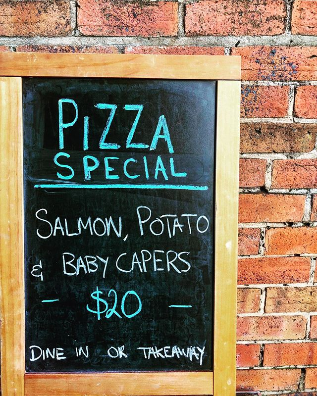..... sorry just had to wipe my chin after writing up this mouth watering special! Hit us up from 5pm 55724857...#mouthwatering #pizza #pizzaspecial #laneway #thursdaysdoneright #pizzaandwine #thirstythursday #hamilton #3300 #winovino