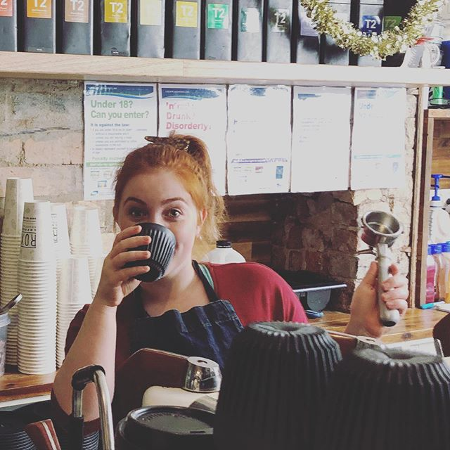 As 2019 comes to an end, so does Ellas time at the Rox! We'll miss the exceptional day to day banter that defiantly put a smile on our faces! ....#roxburgh #roxburghhouse #2019 #2020 #hospobanter #hustle #workcolleagues #greatteam @ella_f_lithgow
